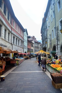 The colourful market in old town
